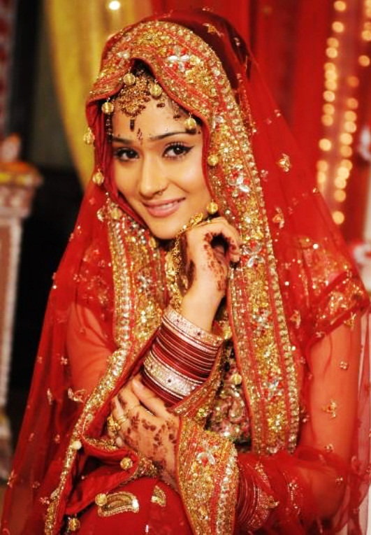 Why Indian Brides Wear the Color Red | Indian Fashion Mantra - photo#39