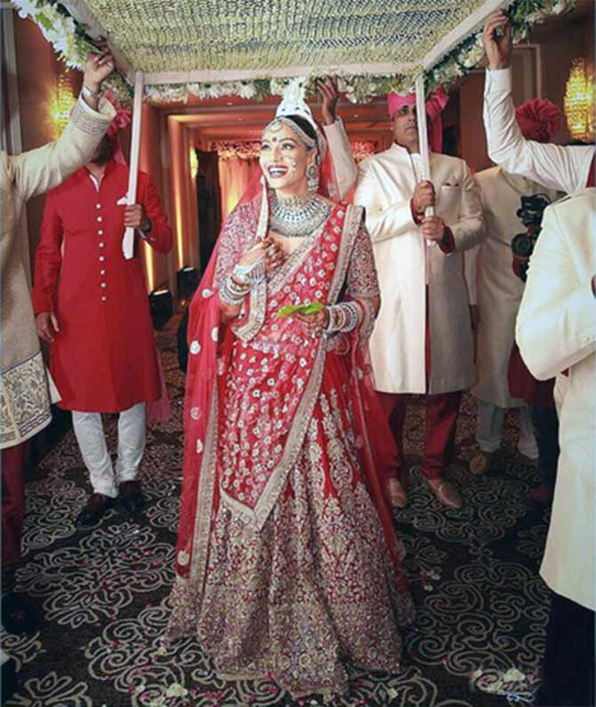 sneek peek at bipasha basu wedding outfits indian