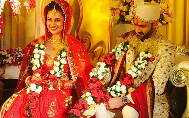 Divyanka Tripathi Mehndi Ceremony : Ishimaa aka divyanka tripathi wedding outfits indian fashion mantra