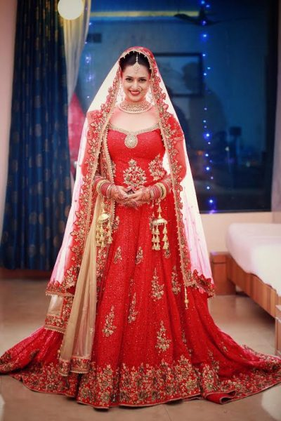 5 Tips to Look Slimmer in your Bridal Lehenga