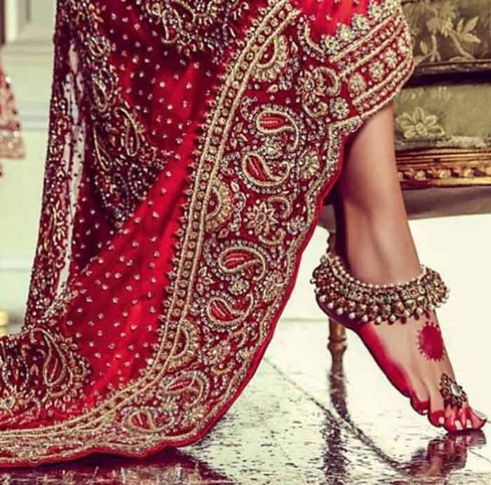 Beautiful Gold Wedding Dresses: Solah Shringar: The Ensemble Of Indian Bride