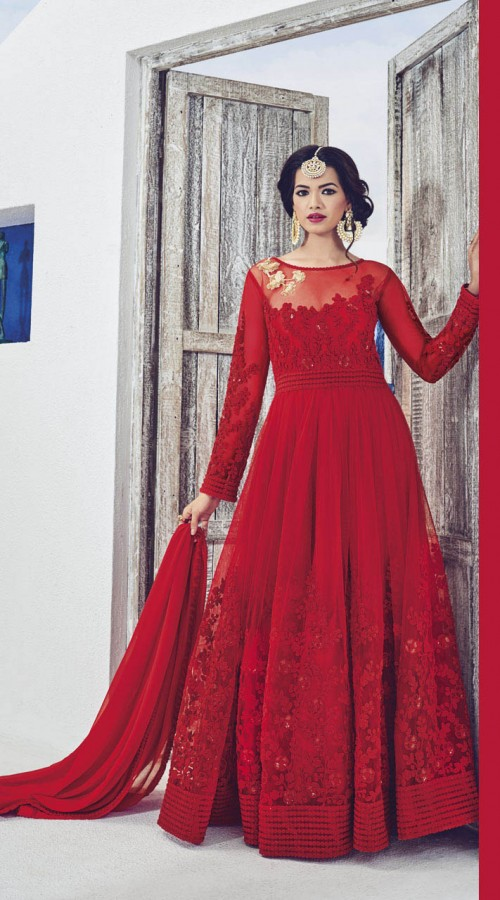 Best Indian Dresses for Karwa Chauth | Indian Fashion Mantra
