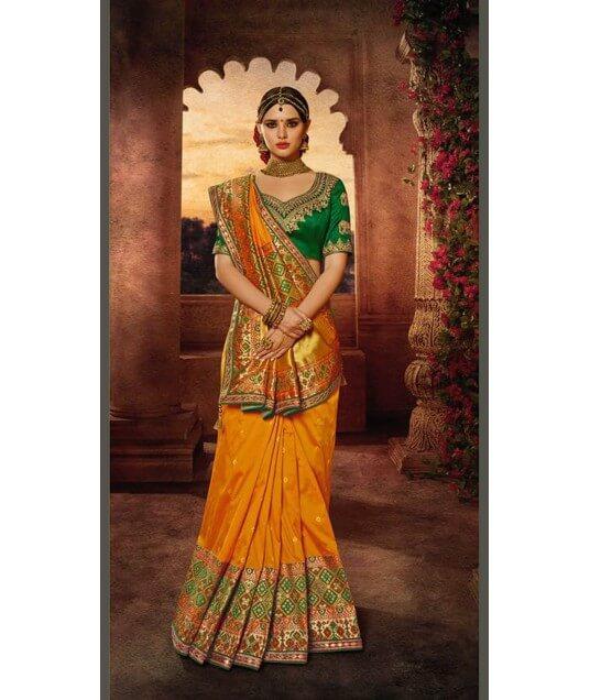 How Bazaar: Sequins For Days How Bazaar: Sequins For Days new photo
