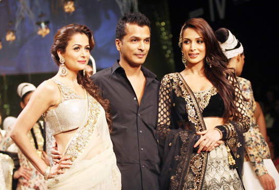Launch Of Vikram Padhanis Nazakat Collection Of Iifa Sarees Indian Fashion Mantra